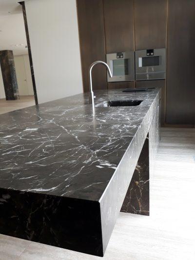 Top cucina in marmo pregiato